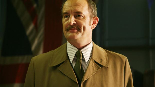 Sam muss feststellen, dass Frank Morgan (Ralph Brown) eine wichtige Rolle in...