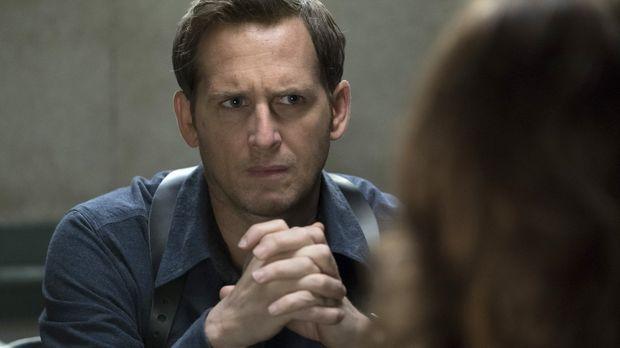 Jake (Josh Lucas) und das Team vermuten, dass ein lange nicht aktiver Serienk...