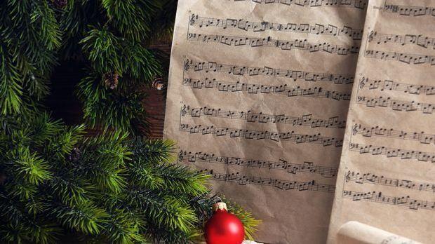 Für viele moderne Weihnachtslieder lassen sich problemlos die passenden Noten...