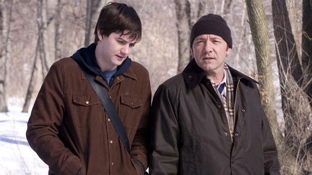 Ben Campbell (Jim Sturgess, l.) ist Student am renommierten MIT, würde aber v...