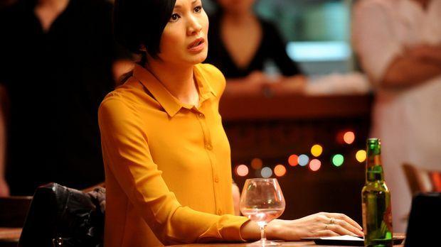 Nachdem Erica (Gemma Chan) ihrem Bruder gesagt hat, dass sie lesbisch ist, wa...