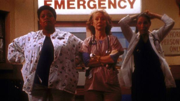 (v.l.n.r.) Haleh (Yvette Freeman), Wright (Ellen Crawford) und Oligario (Conn...