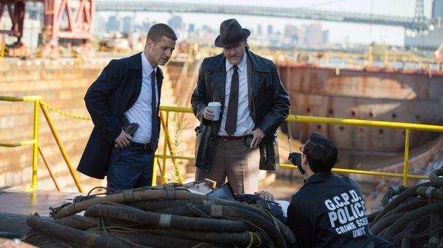 Ein junger Mann wird tot aufgefunden. Gordon (Ben McKenzie, l.), Bullock (Don...