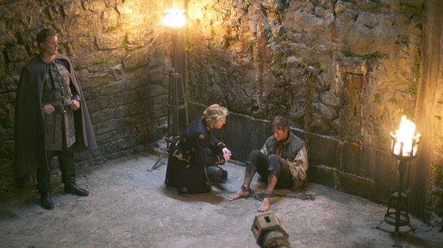 Die Inquisition verschärft ihr Vorgehen zunehmend und auch Francis (Toby Regb...