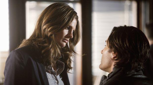Was verbindet Josh Davidson (Victor Webster, r.) mit Kate Beckett (Stana Kati...