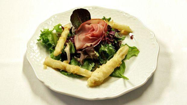 Blattsalat mit Spargel