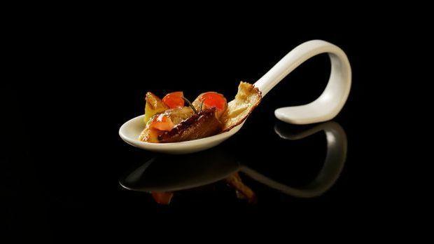 The-Taste-Stf01-Epi02-2-Pollo-al-forno-Graciela-Cucchiara-01-SAT1