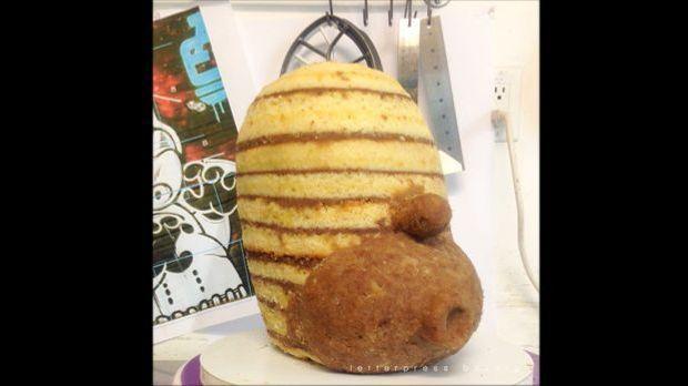 Kopf des Homer-Simpson-Stormtrooper-Kuchen der Letterpress Bakery