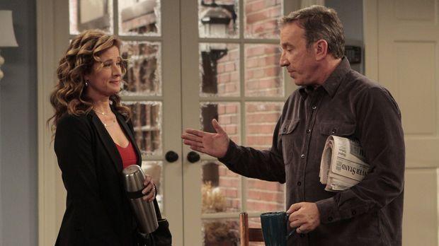 Die Arbeit im Haus macht Vanessa (Nancy Travis, l.) zu schaffen. Deshalb schl...
