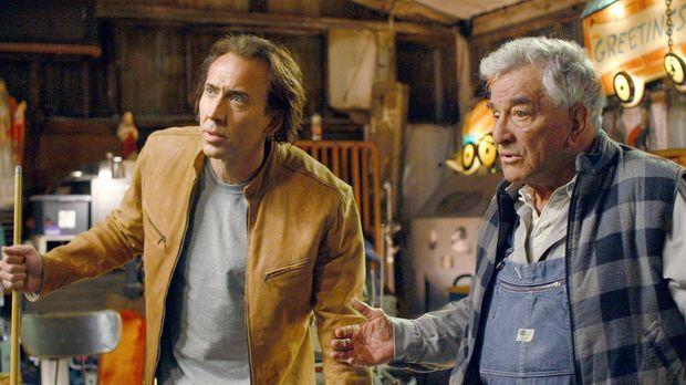 Cris Johnson (Nicolas Cage, l.) hat ein Geheimnis: Er kann einige Minuten in...