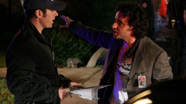 Charlie (David Krumholtz, r.) steht Don (Rob Morrow, l.) bei einem neuen Fall...