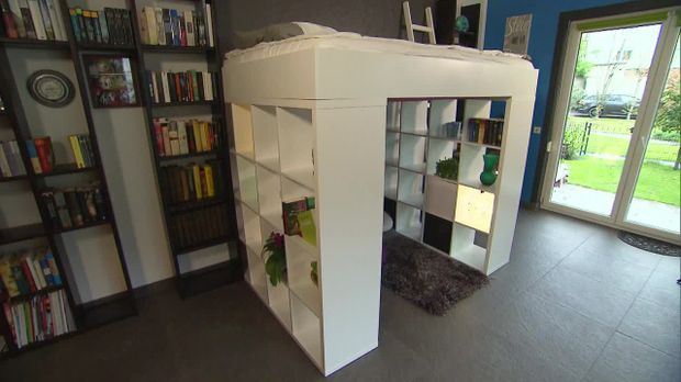 Do it yourself hochbett aus ikea regal for Halbhochbett kinderzimmer