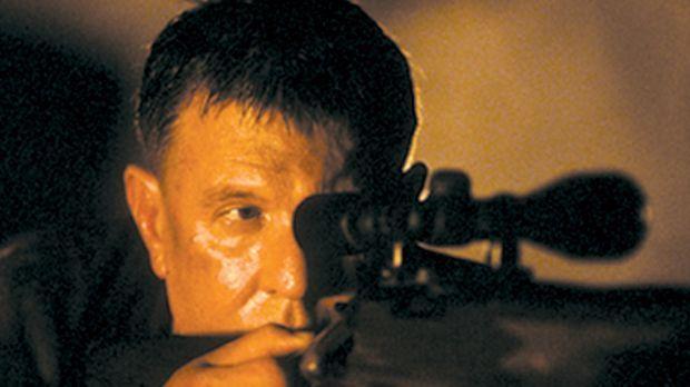 Sniper 3 - Der Vietnamveteran Thomas Beckett (Tom Berenger) kehrt als Scharfs...