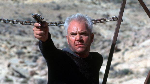 Um wieder in den Nexus zu gelangen, schreckt Dr. Soran (Malcolm McDowall) vor...