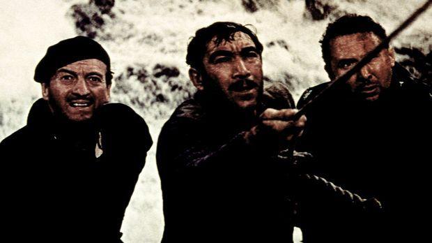 Miller (David Niven, l.) Andrea (Anthony Quinn, M.) und Franklin (Anthony Qua...
