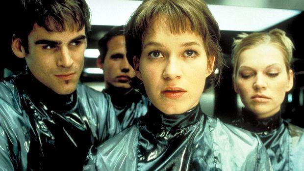 Zusammen mit dem intelligenten Caspar (Sebastian Blomberg, l.) und der Blondi...