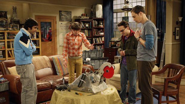 Gemeinsam haben Leonard (Johnny Galecki, 2.v.r.), Sheldon (Jim Parsons, r.),...