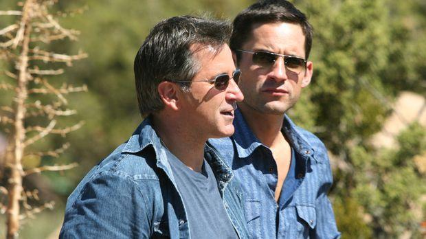 Langsam kommen Danny (Enrique Murciano, r.) und Jack (Anthony LaPaglia, l.) d...