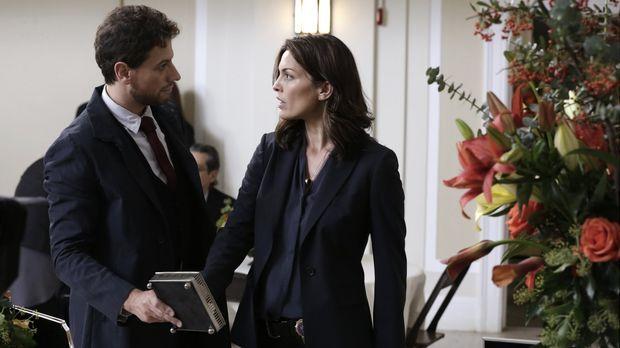 Stehen vor einem Rätsel: Henry (Ioan Gruffudd) und Jo (Alana De La Garza) ......