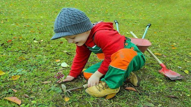 Gartengeräte Kinder Pixabay