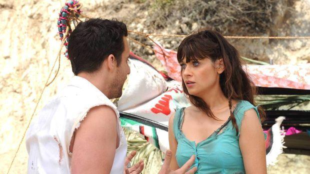 Nick (Jake Johnson, l.) und Jess (Zooey Deschanel, r.) machen einen romantisc...