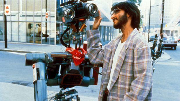 Ben Jahrvi (Fisher Stevens), der Erfinder von Roboter Nr. 5, gerät in größte...