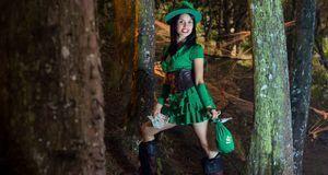 Faschingskostüme_2015_11_09_Robin Hood Kostüm Damen_Bild 1_fotolia_latino