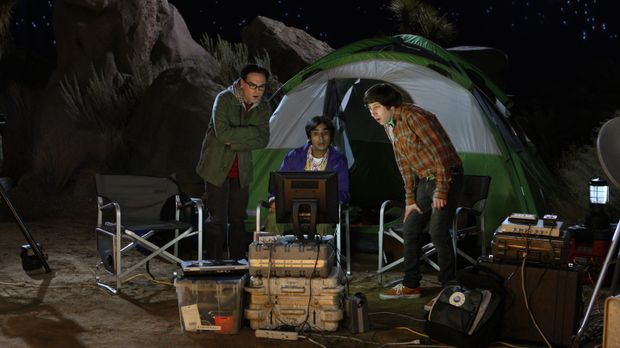 Haben ein ganz besonderes Erlebnis: Howard (Simon Helberg, r.), Raj (Kunal Na...
