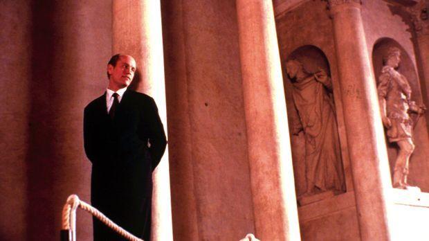 Der talentierte Mr. Ripley (John Malkovich) hat sich mit seiner schönen Frau...