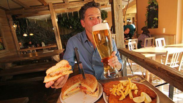Bob Blumer reist unter anderem nach Deutschland ins XXXL-Restaurant Waldgeist...