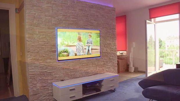TV Steinwand