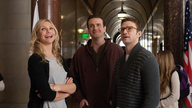 Elizabeth Halsey (Cameron Diaz, l.), Russel Gettis (Jason Segel, M.) und  Sco...