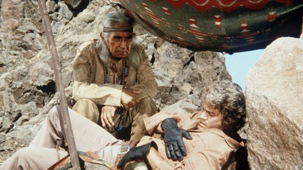 Little Joe Cartwright (Michael Landon, r.) hat in der Wüste sein Pferd verlor...