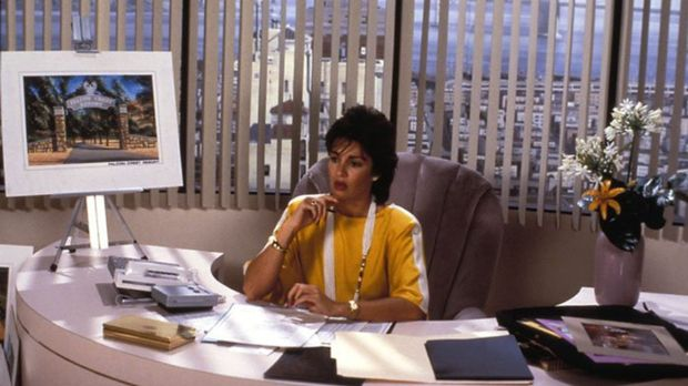 (5. Staffel) - Cassandra Wilder (Anne Archer) ist es endlich gelungen, sich a...