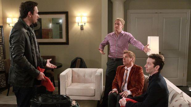 George (Jeremy Sisto, l.) gewinnt einen All-inclusive-Aufenthalt in einem Hot...