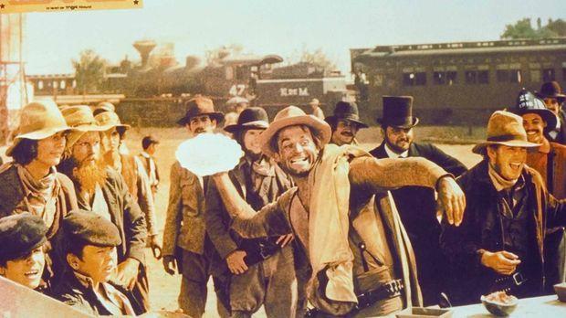 Nobody (Terence Hill) zieht nicht nur den Revolver rasend schnell ... © Unive...