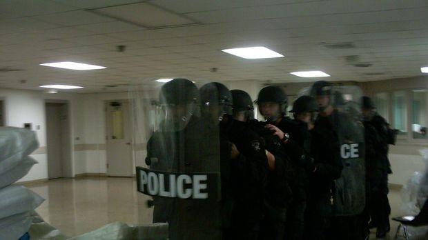 Lockdown blickt hinter die Mauern des hoffnungslos überfüllten Cuyahonga Coun...