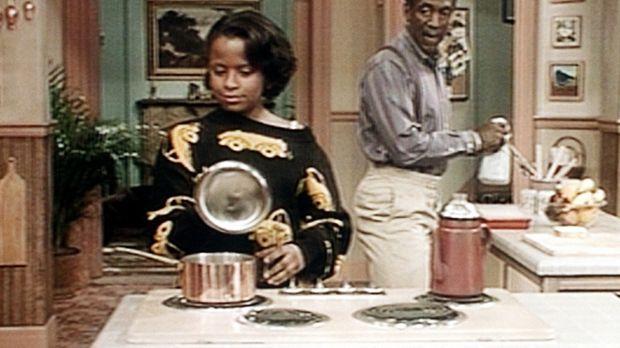 Cliff (Bill Cosby, r.) findet es nicht gut, dass sich seine Tochter Vanessa (...