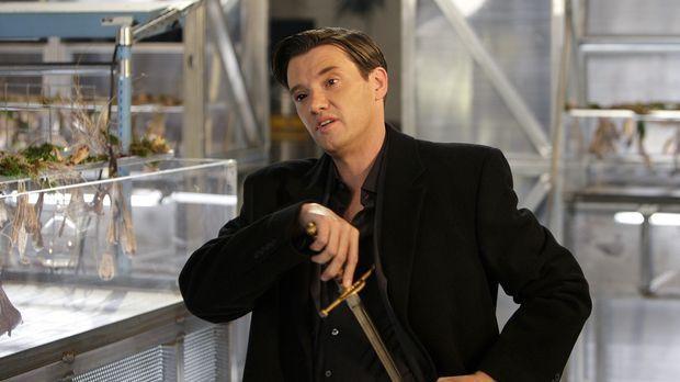 Beth muss mit einer brisanten Neuigkeit fertig werden, in die Lance (Jason Bu...