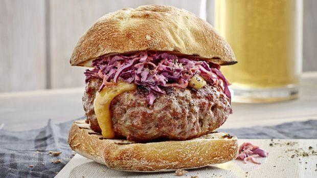 Burger mit Käsefüllung