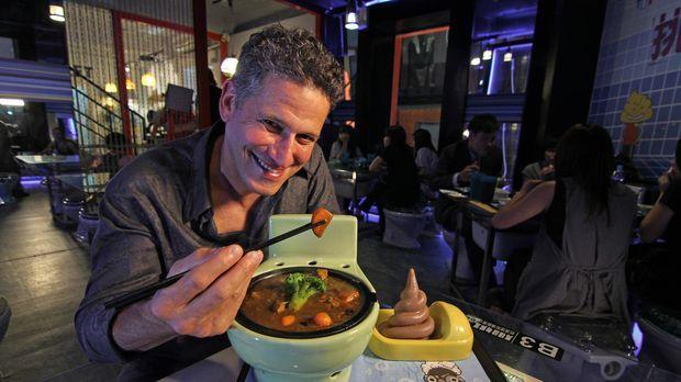 Bob Blumer will die verrücktesten Restaurants der Welt kennenlernen. In Taipe...