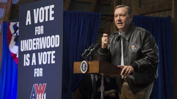 Gibt alles, um möglichst viele Stimmen für sich zu gewinnen: Franks (Kevin Sp...