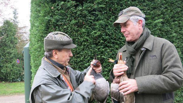 Zu einem Besuch in Frankreich gehört für Anthony Bourdain (r.) und seinen Fre...