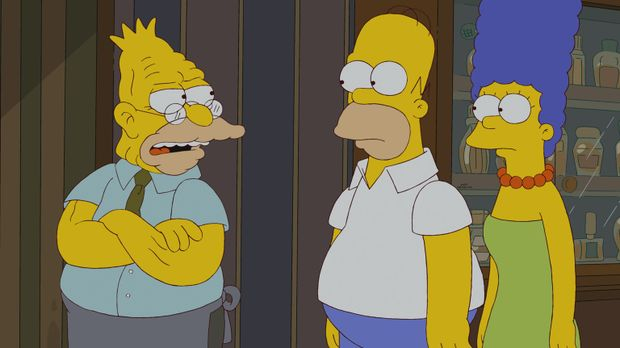 Grampa (l.) verschwindet aus seinem Altersheim. Während Homer (M.) und Marge...