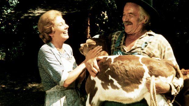 Das Kälbchen ist da: Großvater (Will Geer, l.) und Großmutter (Ellen Corby, r...