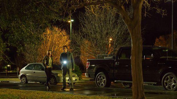 Haben Jamie (Kristen Connolly, l.) und Mitch (Billy Burke, r.) endlich die Ha...