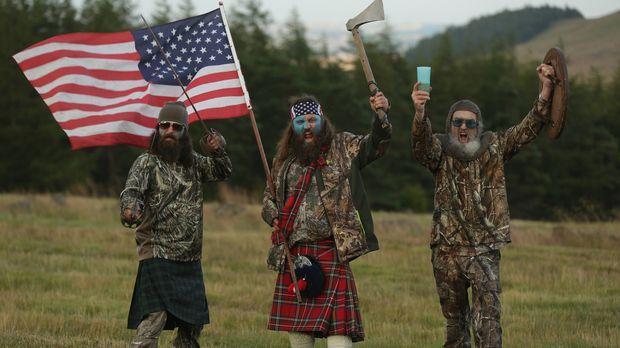 (5. Staffel) - Der Robertson-Clan auf Geschäftsreise in Schottland: Si (r.) m...