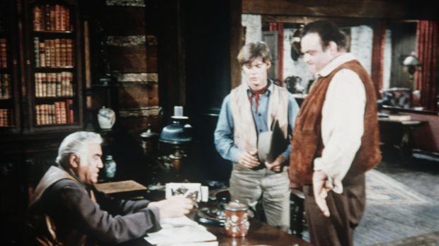 Nachdem Hoss (Dan Blocker, r.) den Verbrecher Makay durch einen unglücklichen...