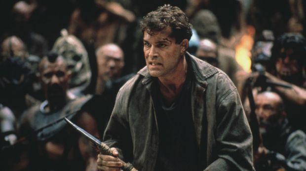 Robbins (Ray Liotta) in einem archaischen Duell ... © Columbia Tristar Intern...