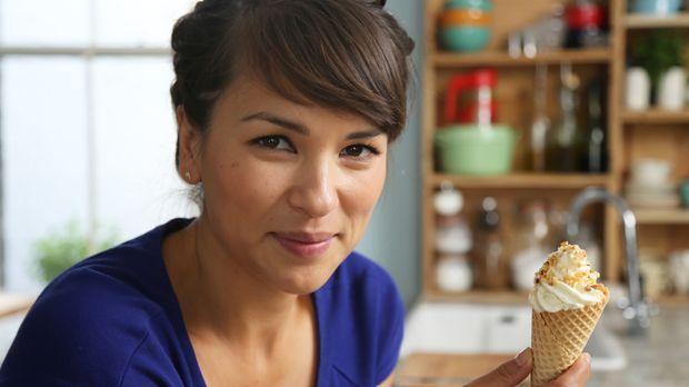 Eis geht immer, und Softeis mit Haselnuss-Karamell-Waffel kann auch Rachel Kh...